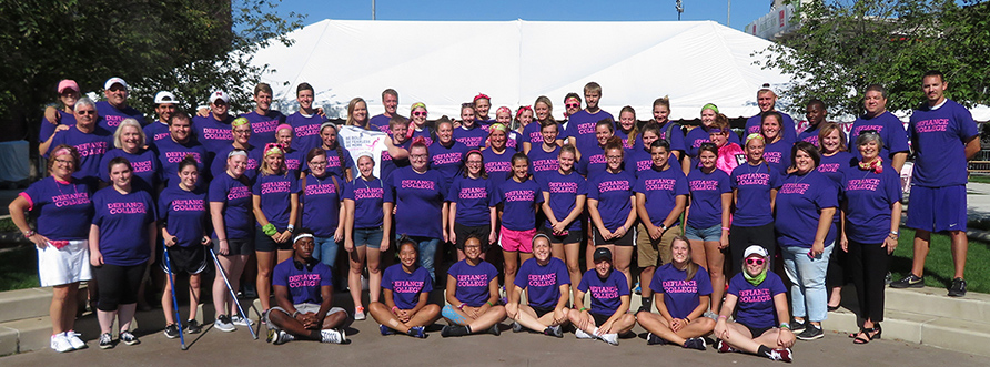 Defiance College members at Susan G. Komen race in Toledo